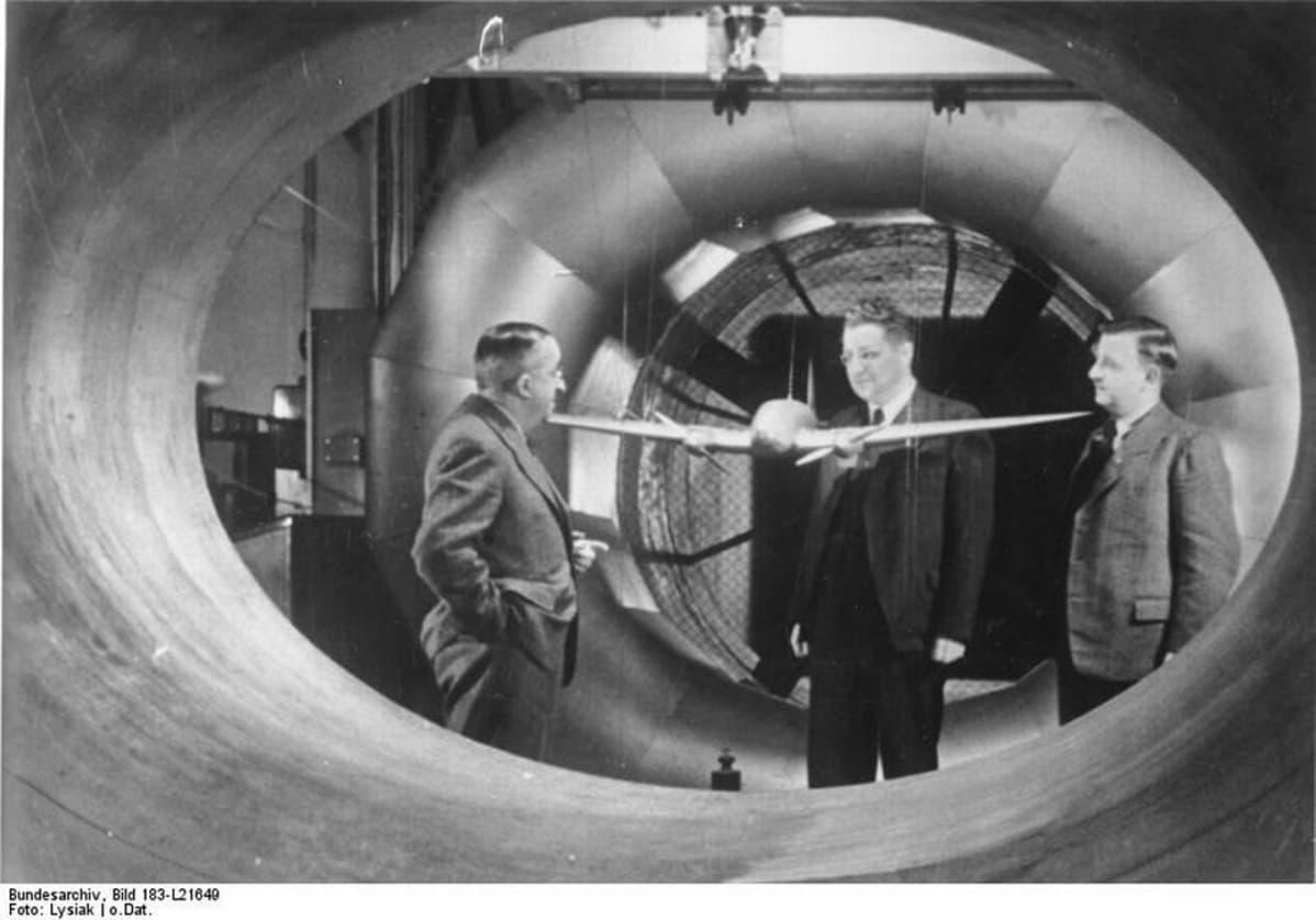 Ernst Heinkel ja He 111 tuulitunnelissa