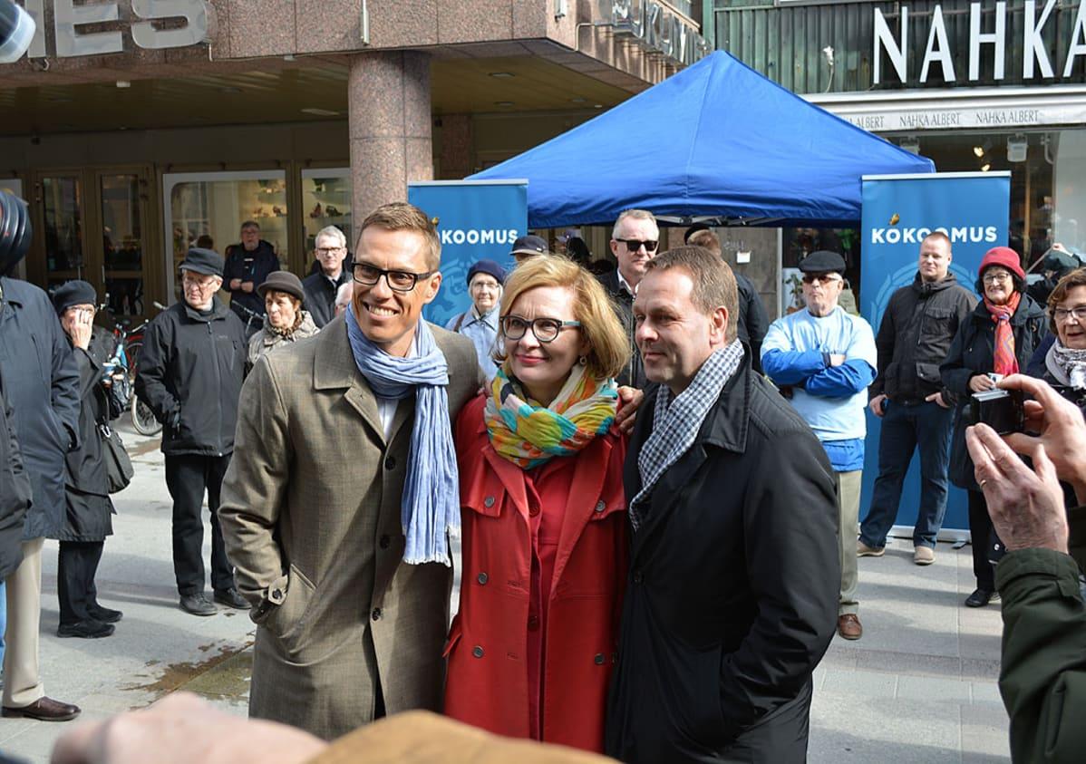 Kokoomuksen puheenjohtajaehdokkaiden kampanjakiertue alkoi keskiviikkona Oulusta.