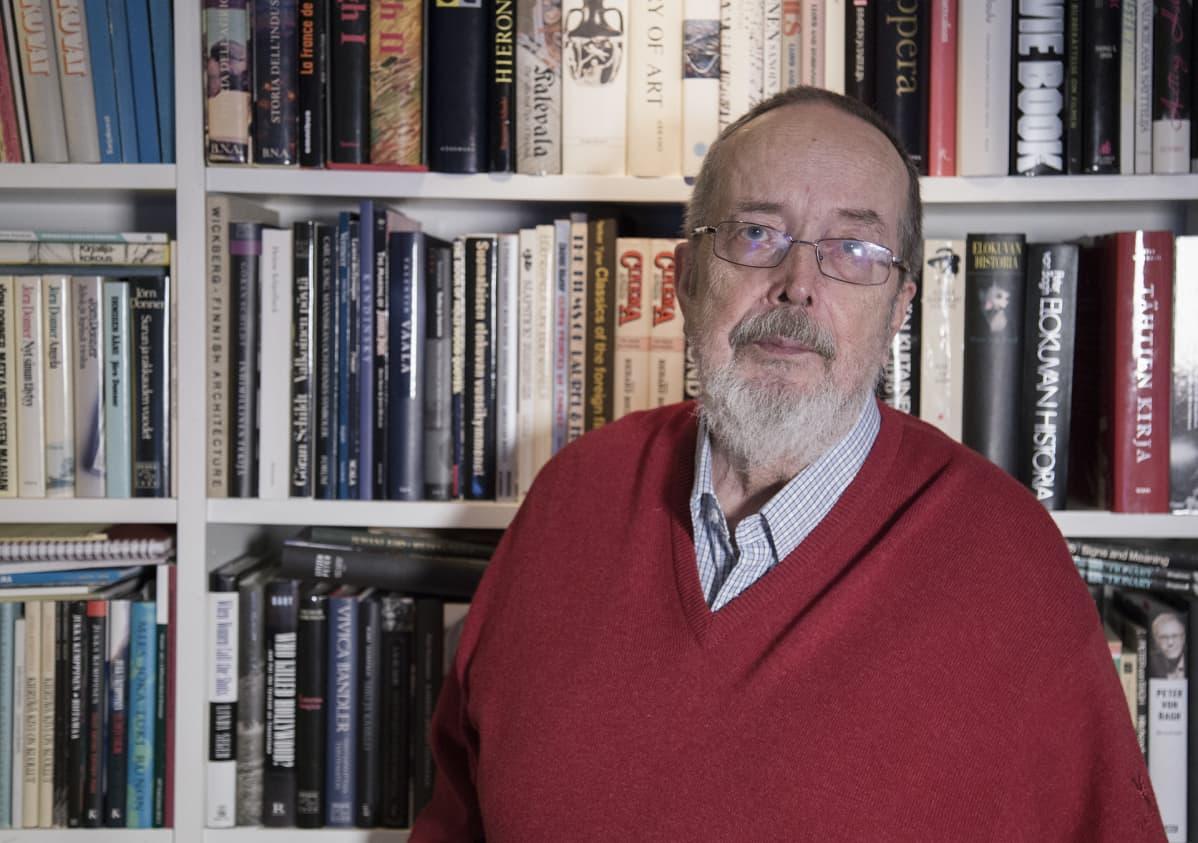 Professori Jukka Kemppinen