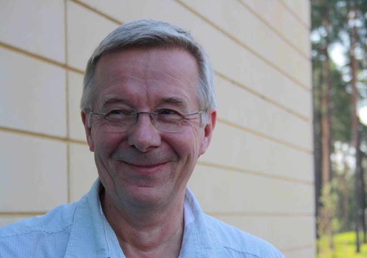 Työterveyslaitoksen tutkimusprofessori Hannu Rintamäki.