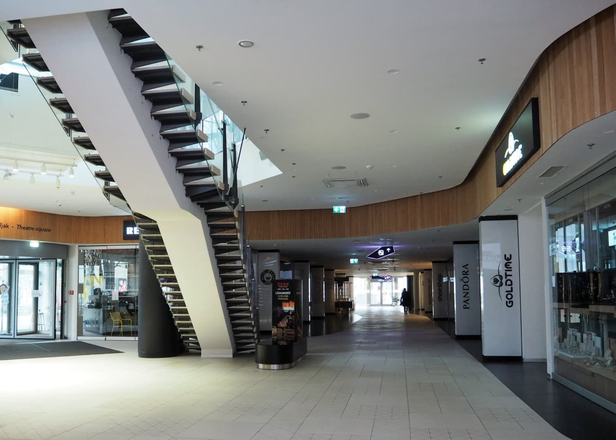 Viron hallitus määräsi kauppakeskukset suljettaviksi perjantaista alkaen.