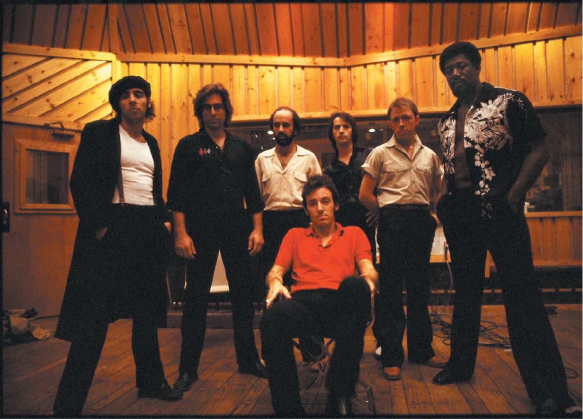 Bruce Springsteen bändinsä kanssa.