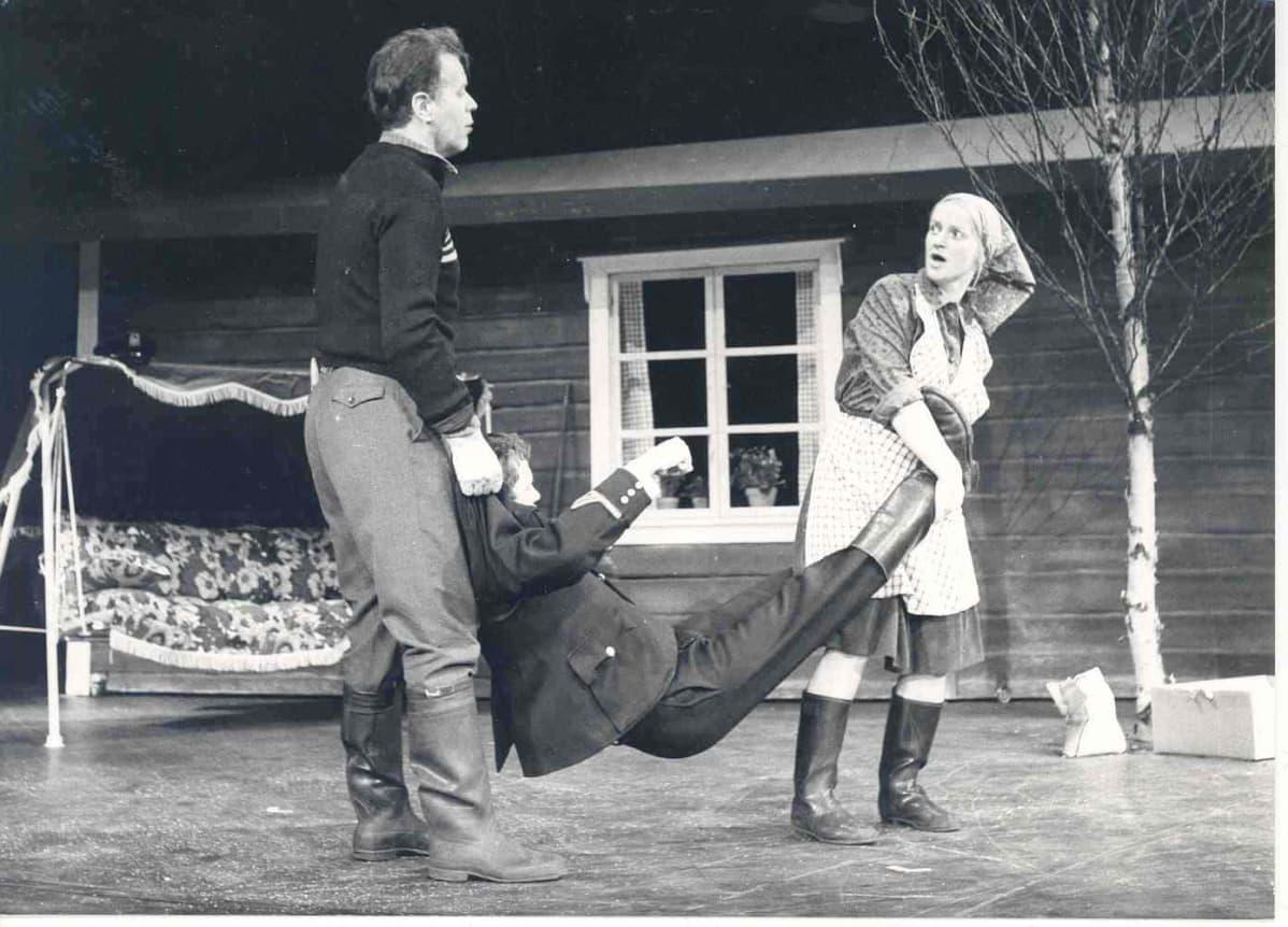Salakaato-näytelmä Rovaniemen teatterissa vuonna 1979.