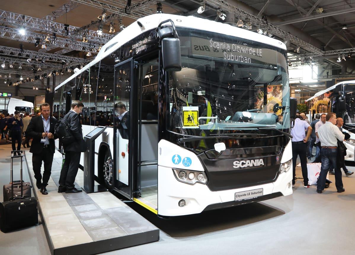Ruotsalaisen Scanian valmistama hybridibussi