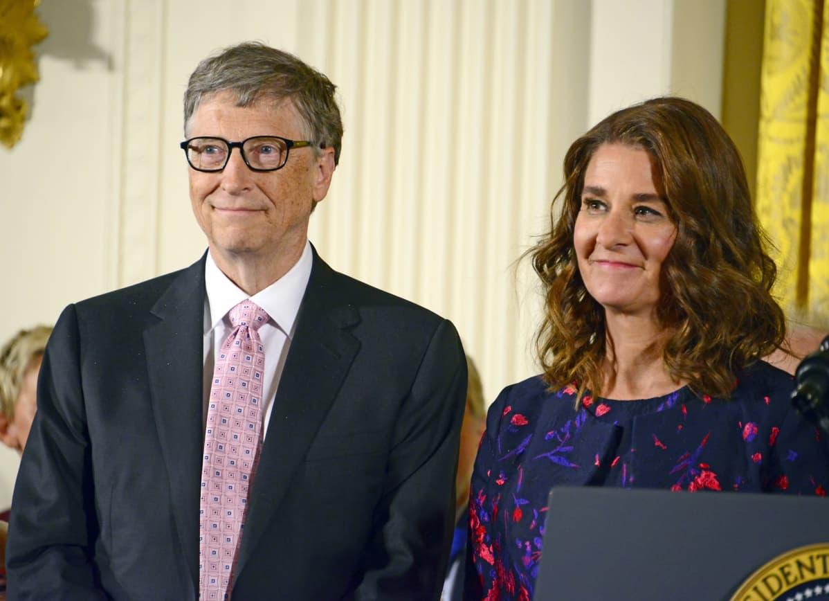 Presidentti Barack Obama myönsi Bill ja Melinda Gatesille arvostetut valtiolliset presidentin vapausmitalit hyväntekeväisyystyöstä vuonna 2016.