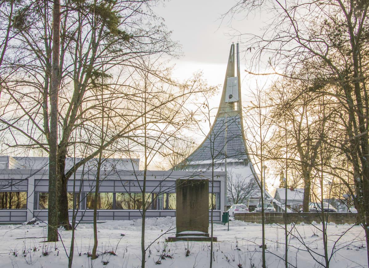 Lauritsalan kirkko Hallituskadulla vuonna 2016.