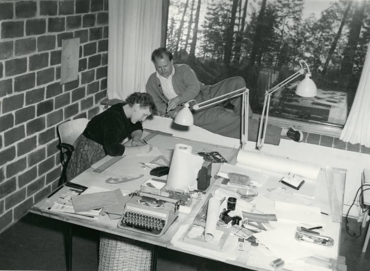Kaija ja Heikki Siren työskentelivät tiiviinä työparina.