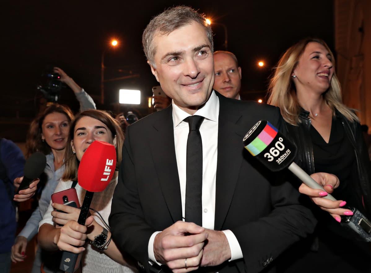 Vladislav Surkov juhlimassa seurapiirihäissä 13. syyskuuta 2019.