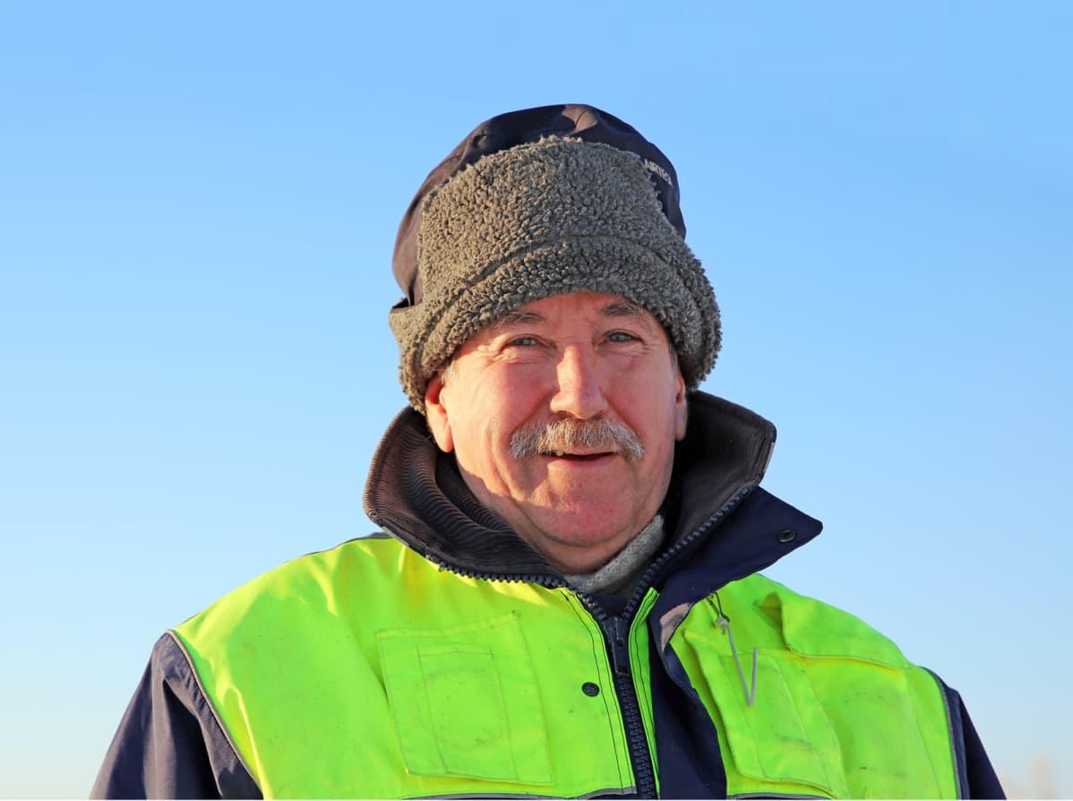 Antero Tervonen jatkaa rankkaa talvikalastusta vuodesta toiseen, koska merellä unohtuu kaikki muu.