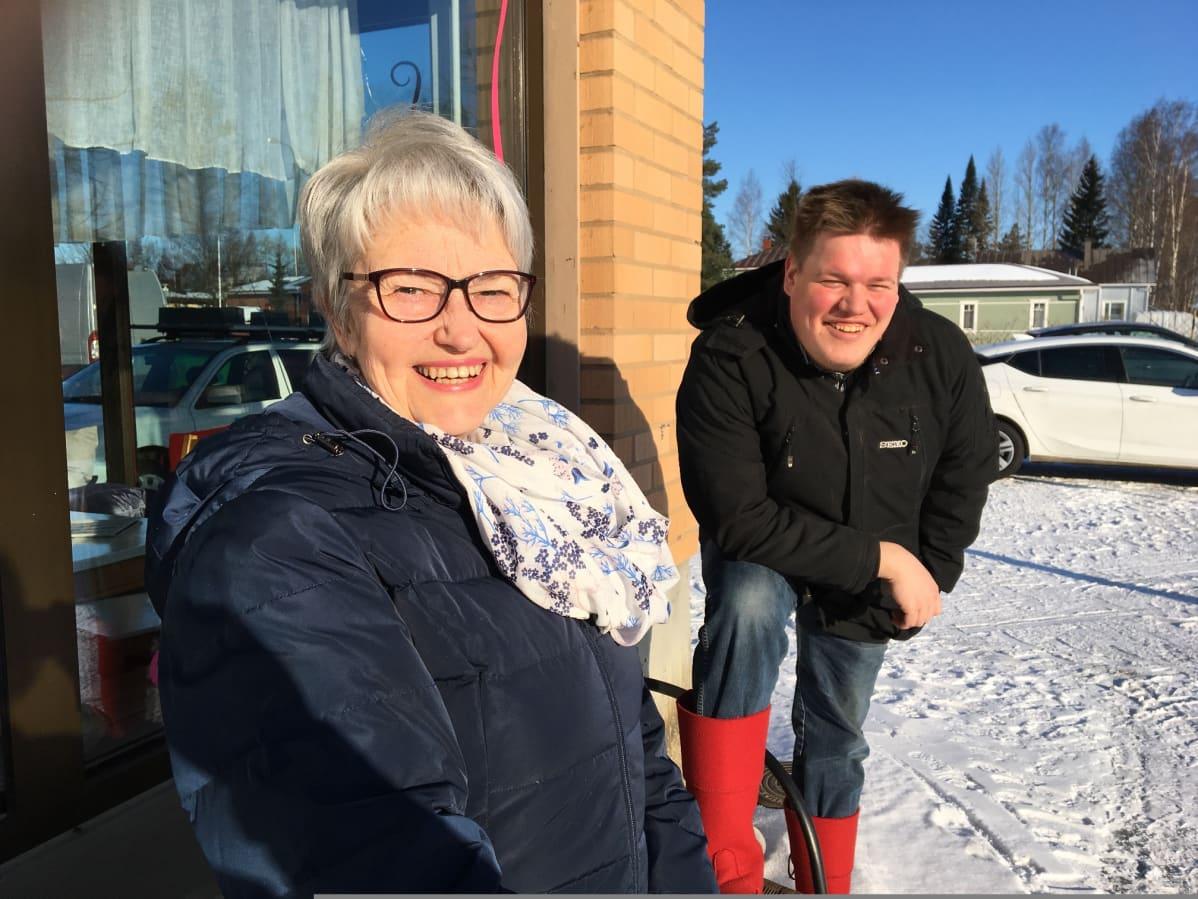 Maija-Liisa Isosomppi on kaksinkertainen valehtelun suomenmestari ja Joonas Autio Valehtelun SM-kisojen tuottaja.