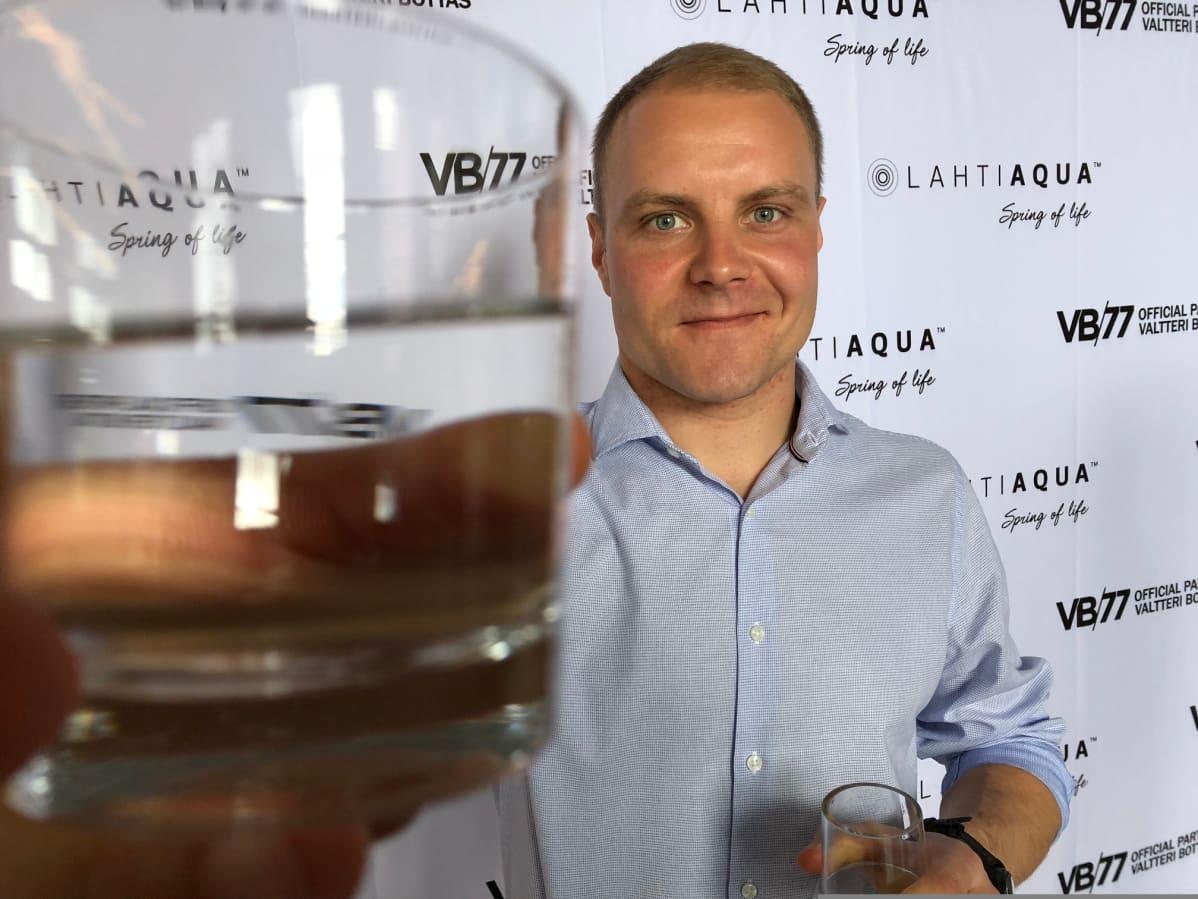 Valtteri Bottas on ryhtynyt Lahti Aqua yhteistyökumppaniksi.