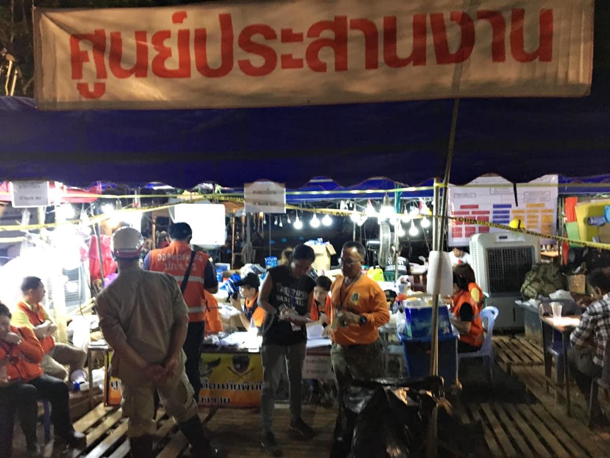 Pelastusoperaatio Thaimaassa.