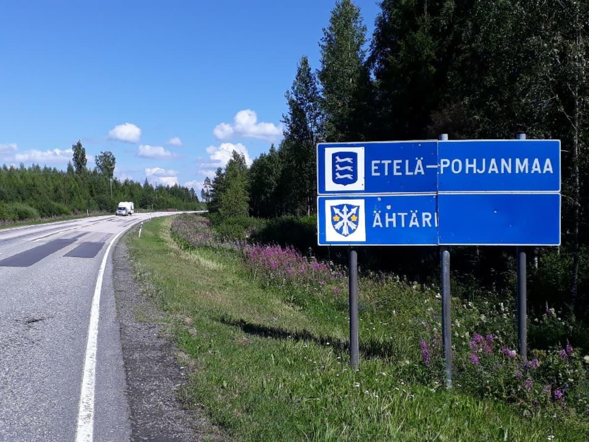 Opaste Ähtärin kunnan ja Etelä-Pohjanmaan maakunnan rajalla