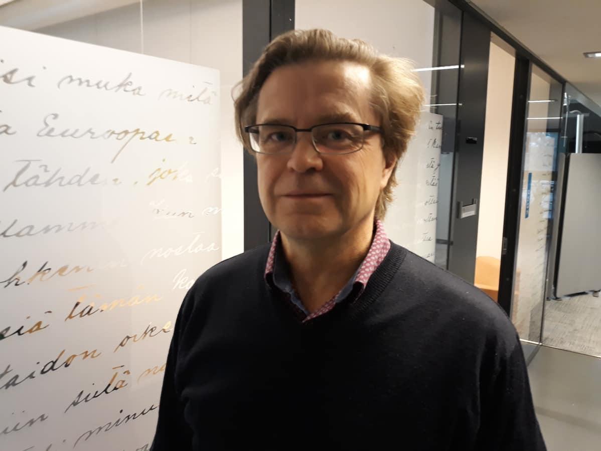 Kielipolitiikan erityisasiantuntija Matti Räsänen