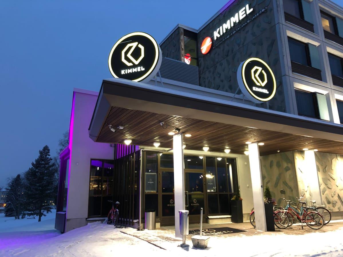 Hotelli-ravintola Kimmel Joensuussa ulkoapäin.