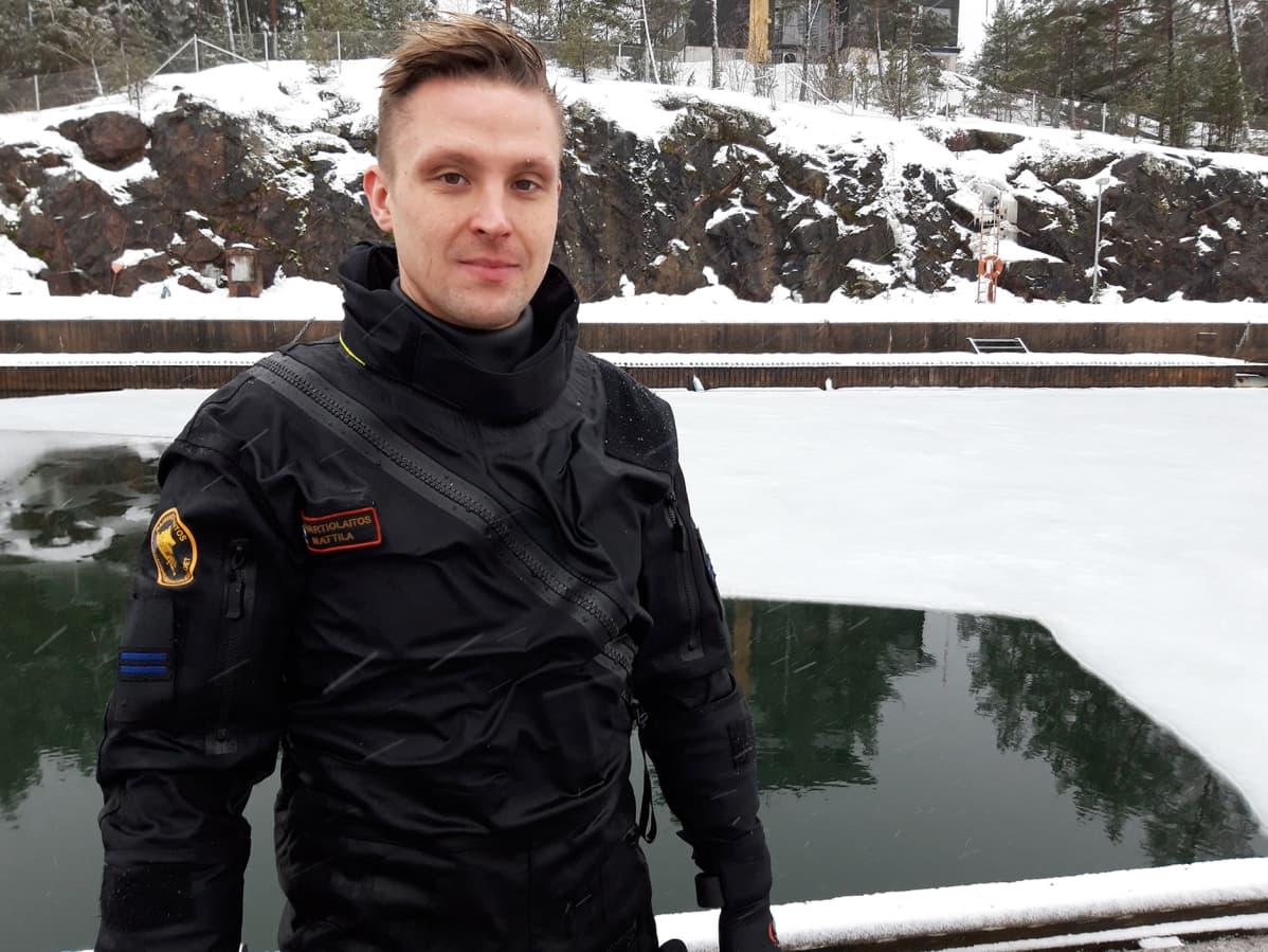 Vanhempi merivartija Joel Mattila