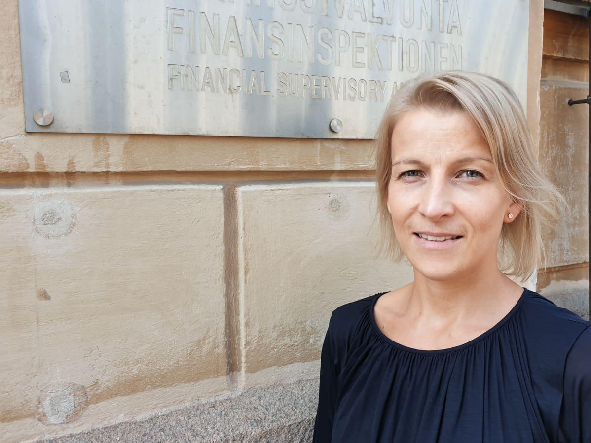 Finanssivalvonnan johtava lakimies Sanna Atrila