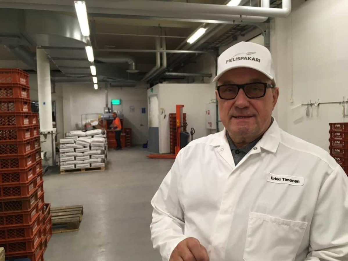 Leipomoyritys Pielispakarin toimitusjohtaja Erkki Timonen.