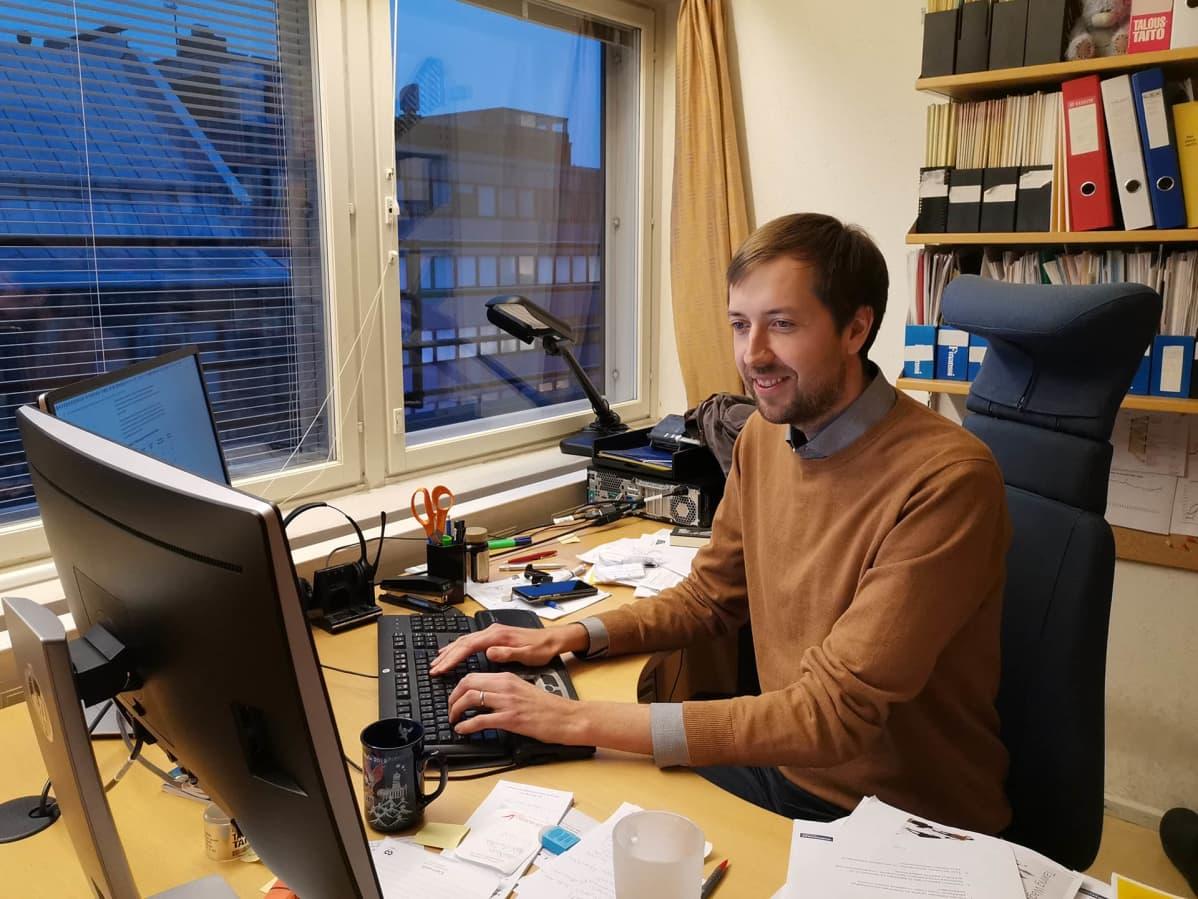Mikael Kirkko-Jaakkola, Veonmaksajain keskusliiton pääekonomisti.