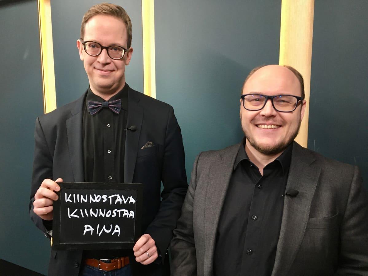 Ilta-Sanomien verkon esimies Simo Holopainen (vas.) ja dosentti Tuomas Tepora Helsingin yliopistosta keskustelivat Ylen aamussa lauantaina.
