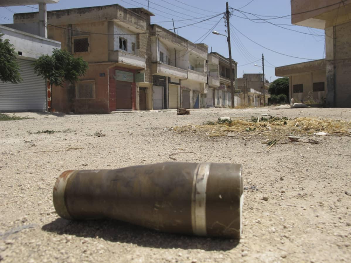 Hylsy asuinalueella Homsin kaupungissa Syyriassa.