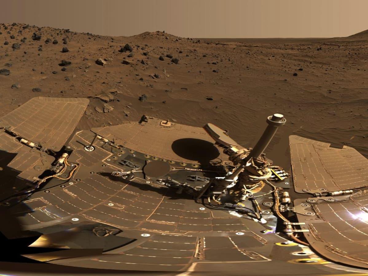 Nasan Spirit-marsmönkijän panoraamakamerallaan ottama 360 asteen panoraama.