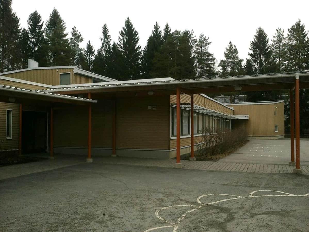 Nummen purettava koulu Hämeenlinnassa