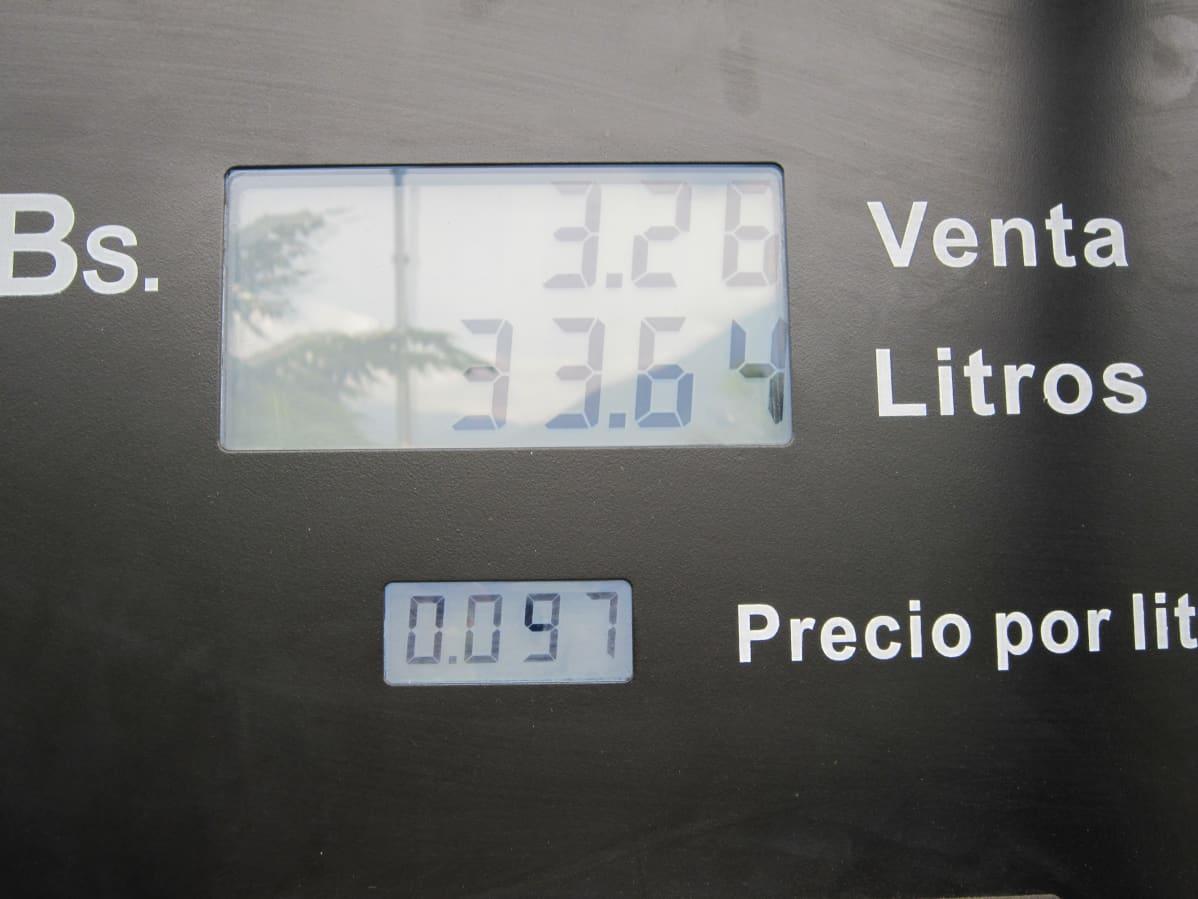 Bensiinipumppu Venezuelassa.