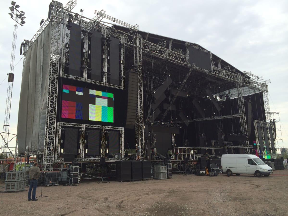 weekend festivaalin lava, suuriin ikinä Suomessa, Helsinki 2014, Kyläsääri, Metallica lava