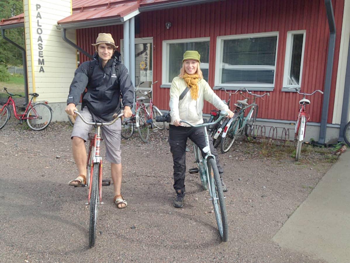 Matkabloggarit Piotr Kroczak ja Laura Santanen