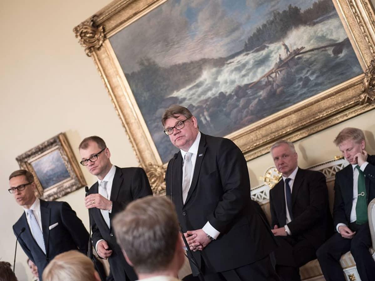 Hallituksen info Smolnassa 29.5.2015