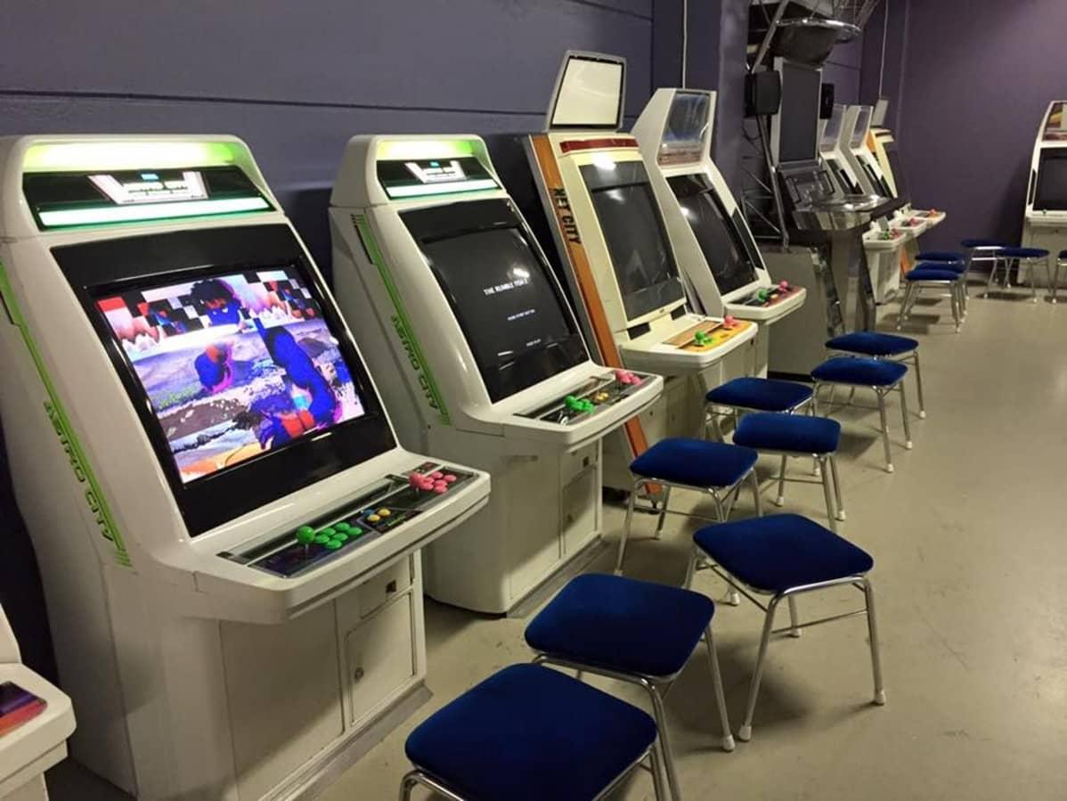Malmille on avattu syksyllä 2015 videopelihalli, jossa on useita nostalgisia pelejä.
