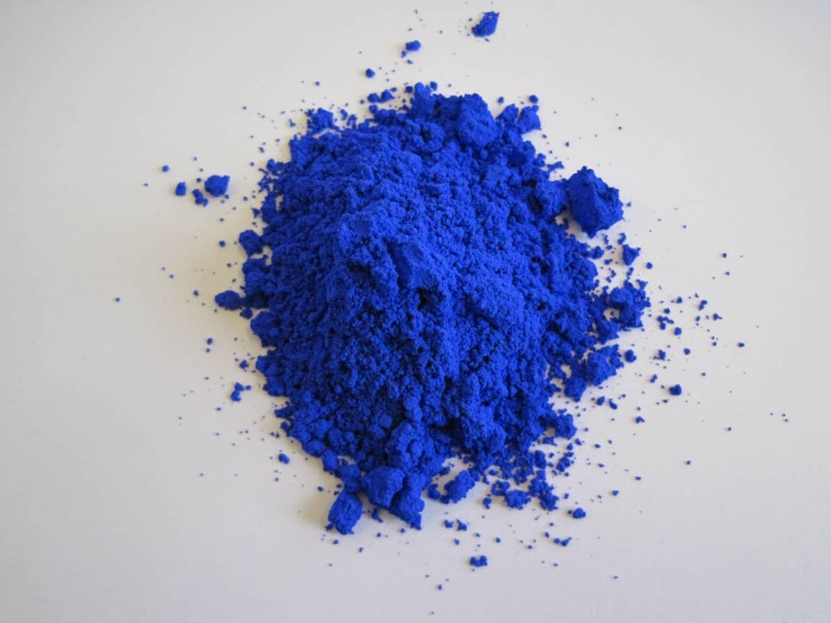 Kasa sinistä väriä.