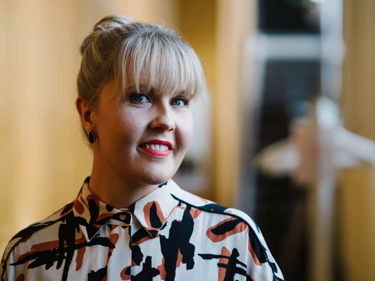 Syysprinssi on ohjaaja Alli Haapasalon ensimmäinen kokopitkä elokuva.