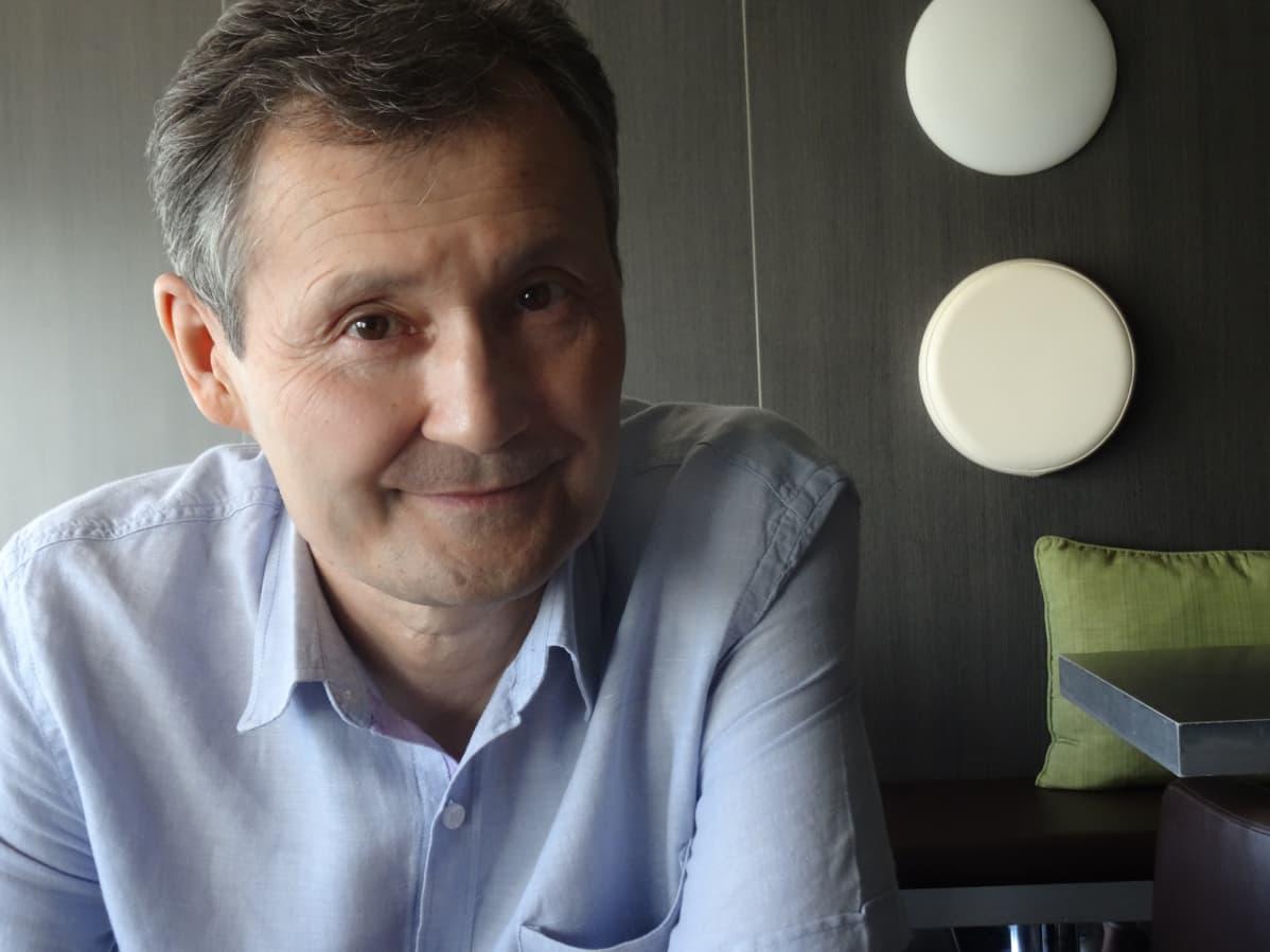 Tutkija Eset Esengarajev ei usko nopeaan muutokseen Kazakstanissa.