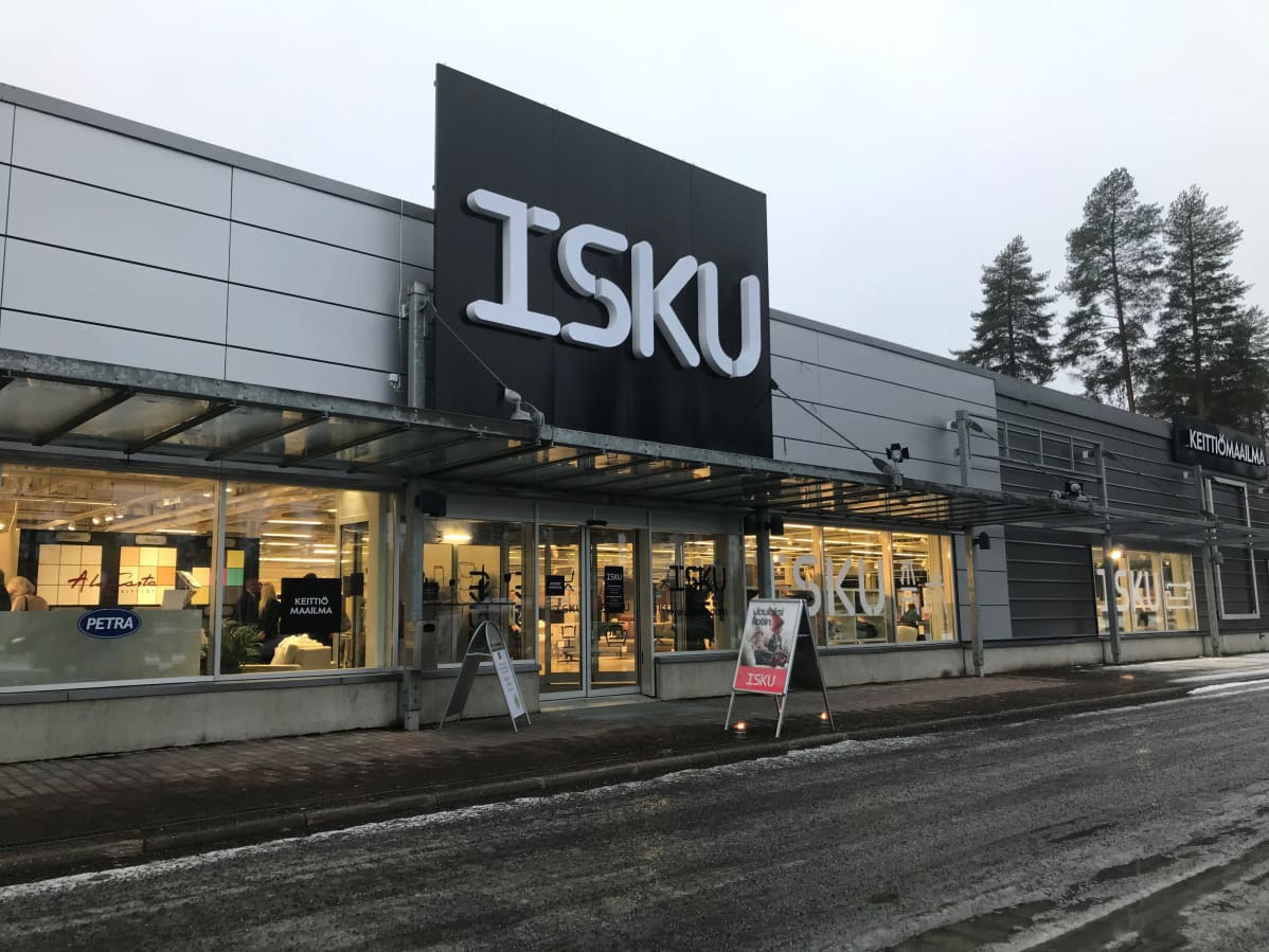 Iskun ja Kieiitiömaailman yhteismyymälä on avattu Raatekankaantiellä sijaitsevaan liikekiinteistöön.