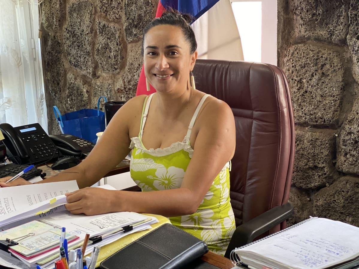 Kuvernööri Laura Tarita Rapu.