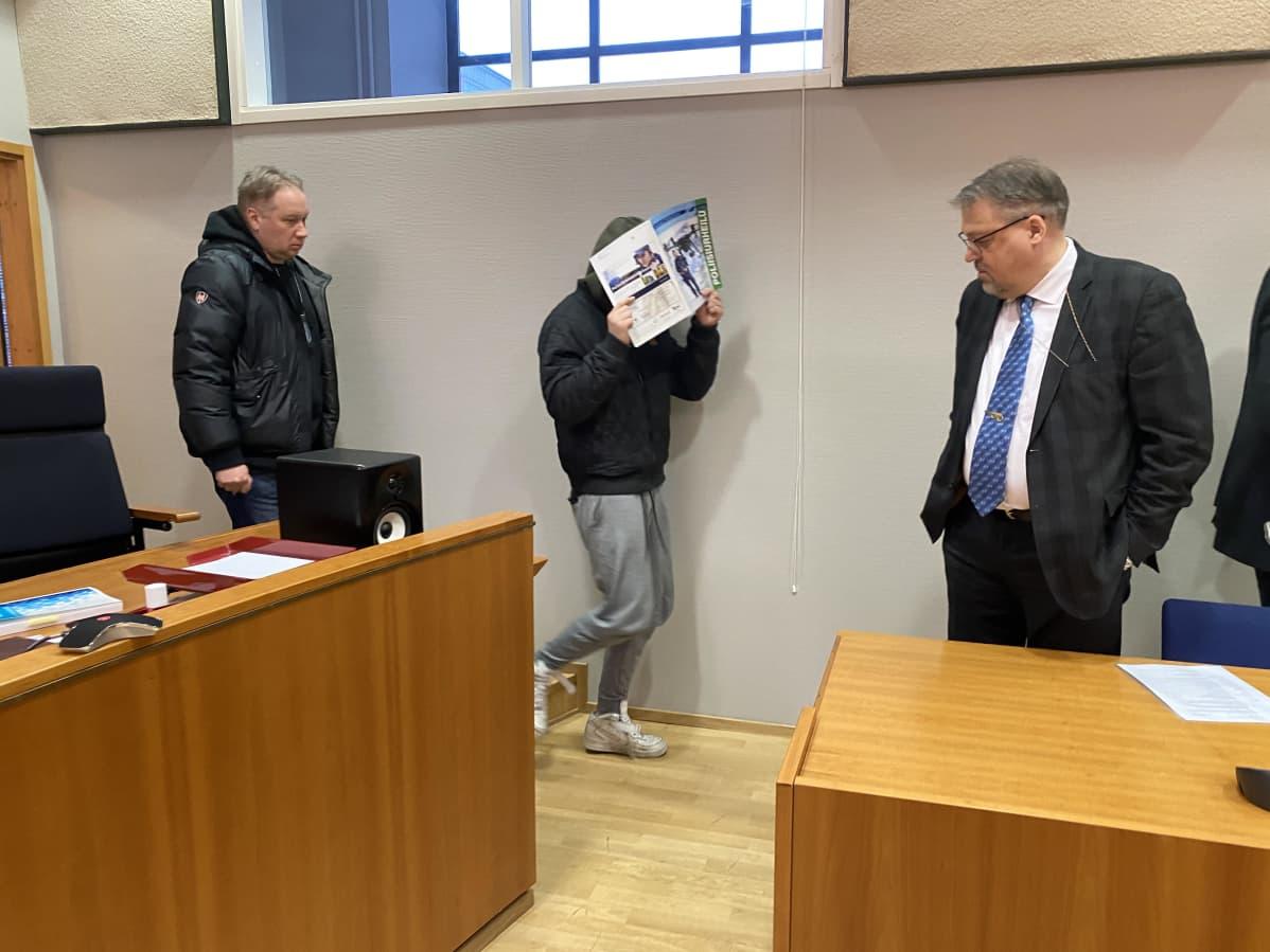 Vangitsemisoikeudenkäynti