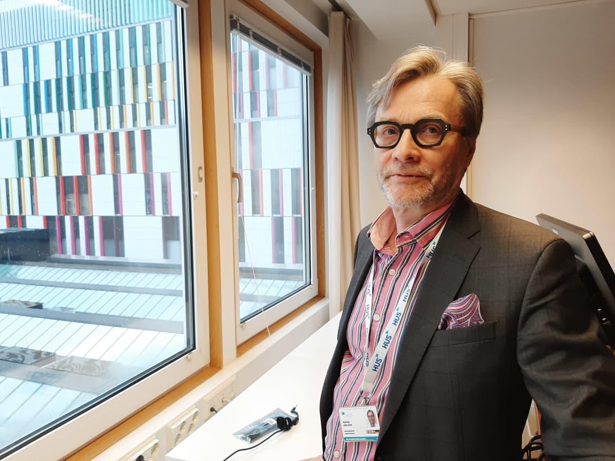 Chefsöverläkaren Markku Mäkijärvi, HUS.