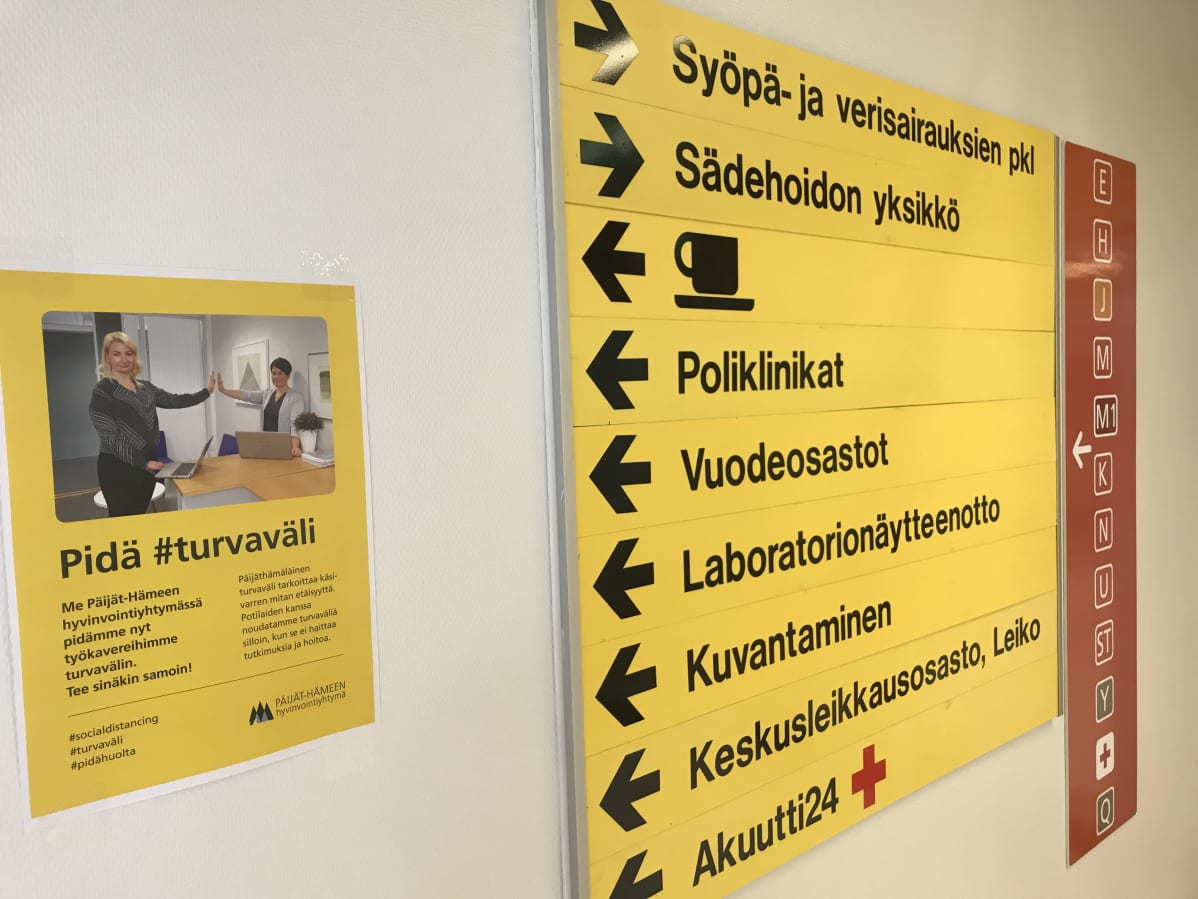 Opaskyltti Päijät-Hämeen keskussairaalassa.