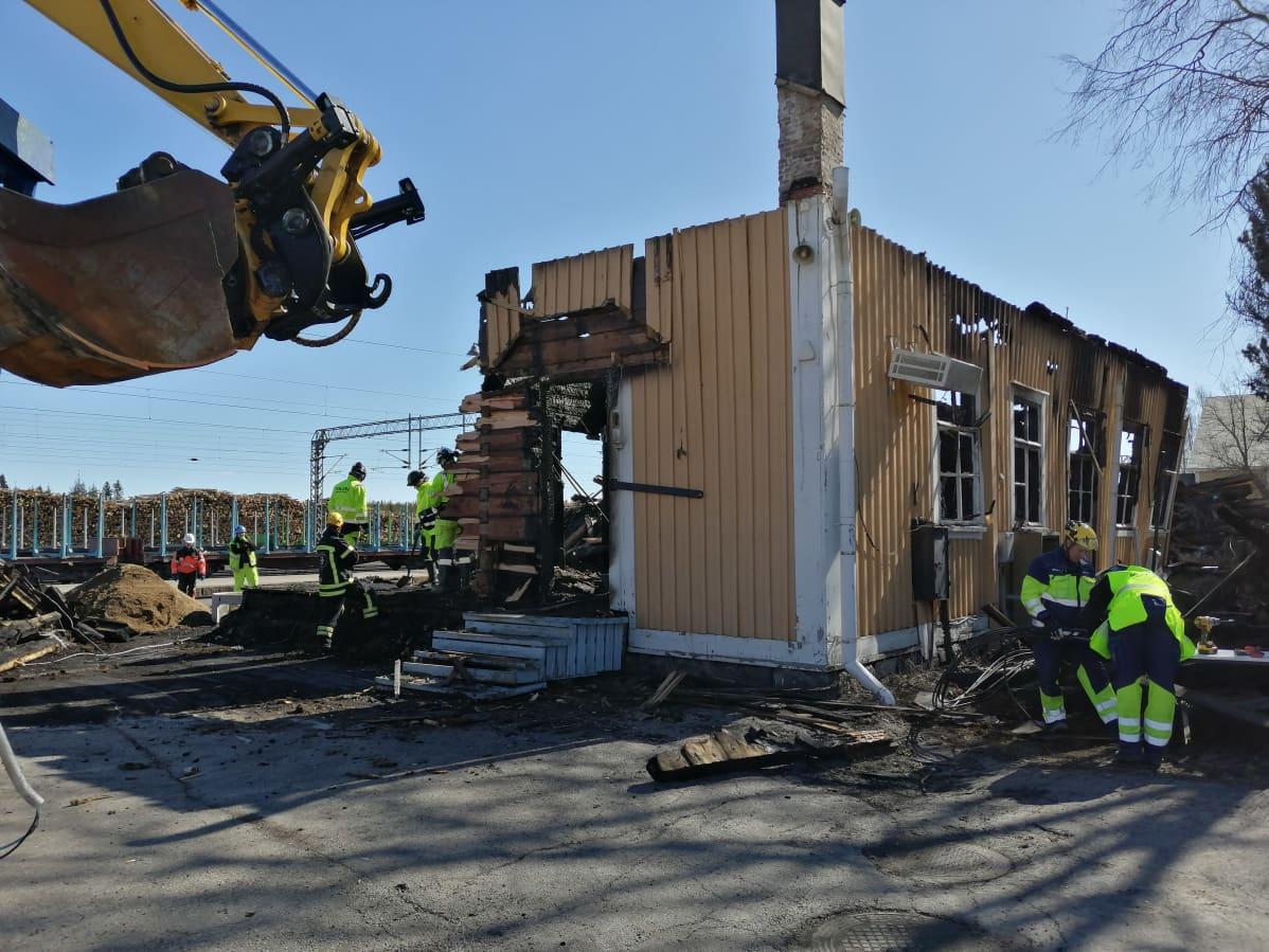 Kontiomäen tulipalossa tuhoutunut asemarakennus