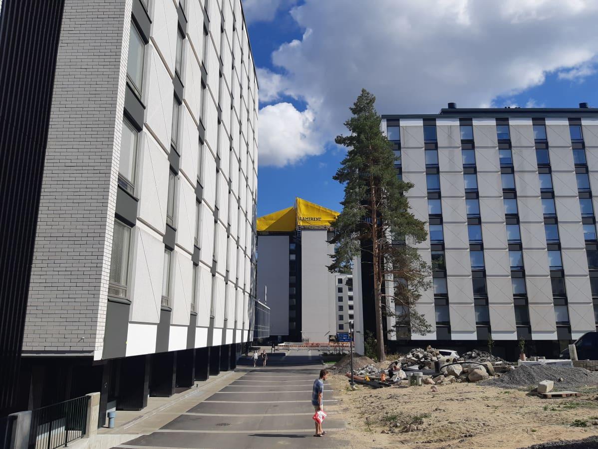 ylioppilaskylän korkeita opiskelija-asuntotaloja Jyväskylässä