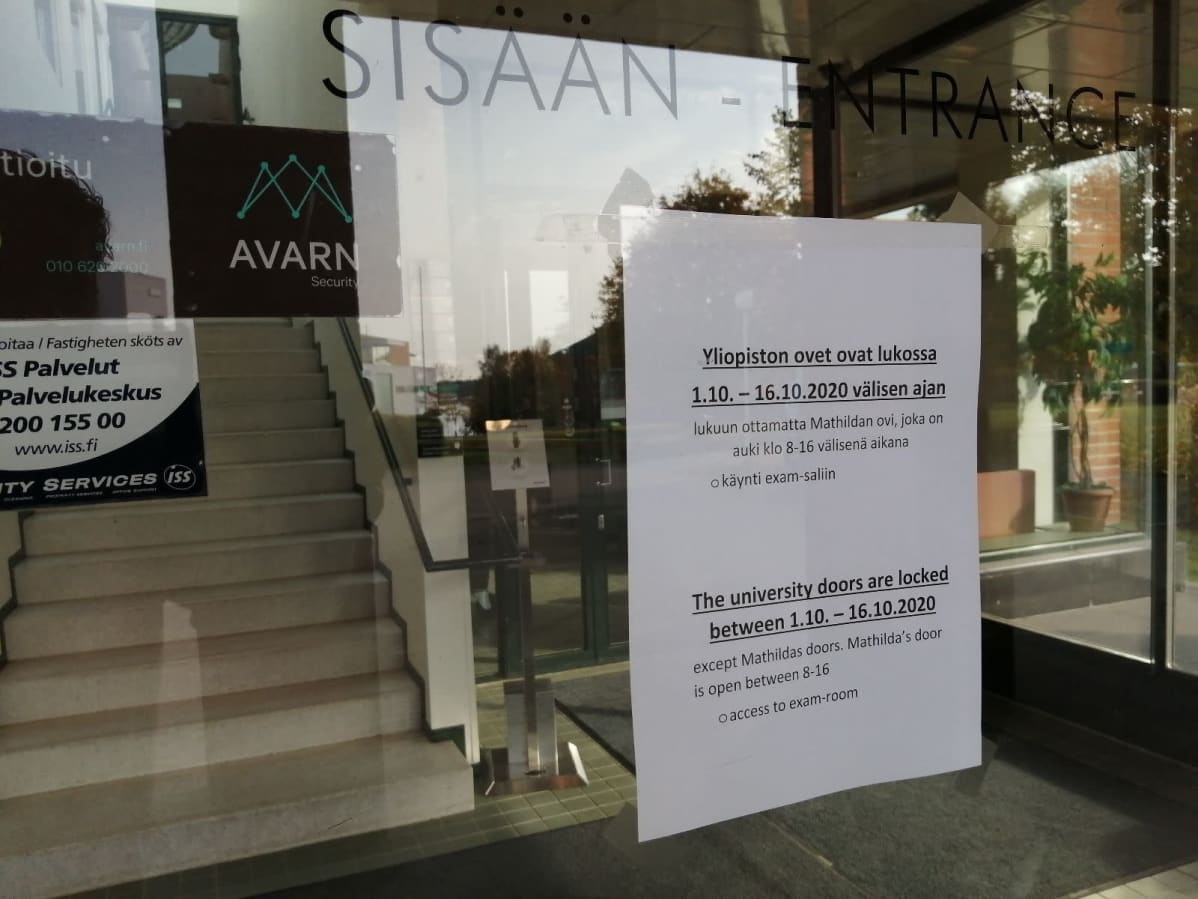 Vaasan yliopiston ovet ovat jälleen kiinni ja opetus annetaan etänä.