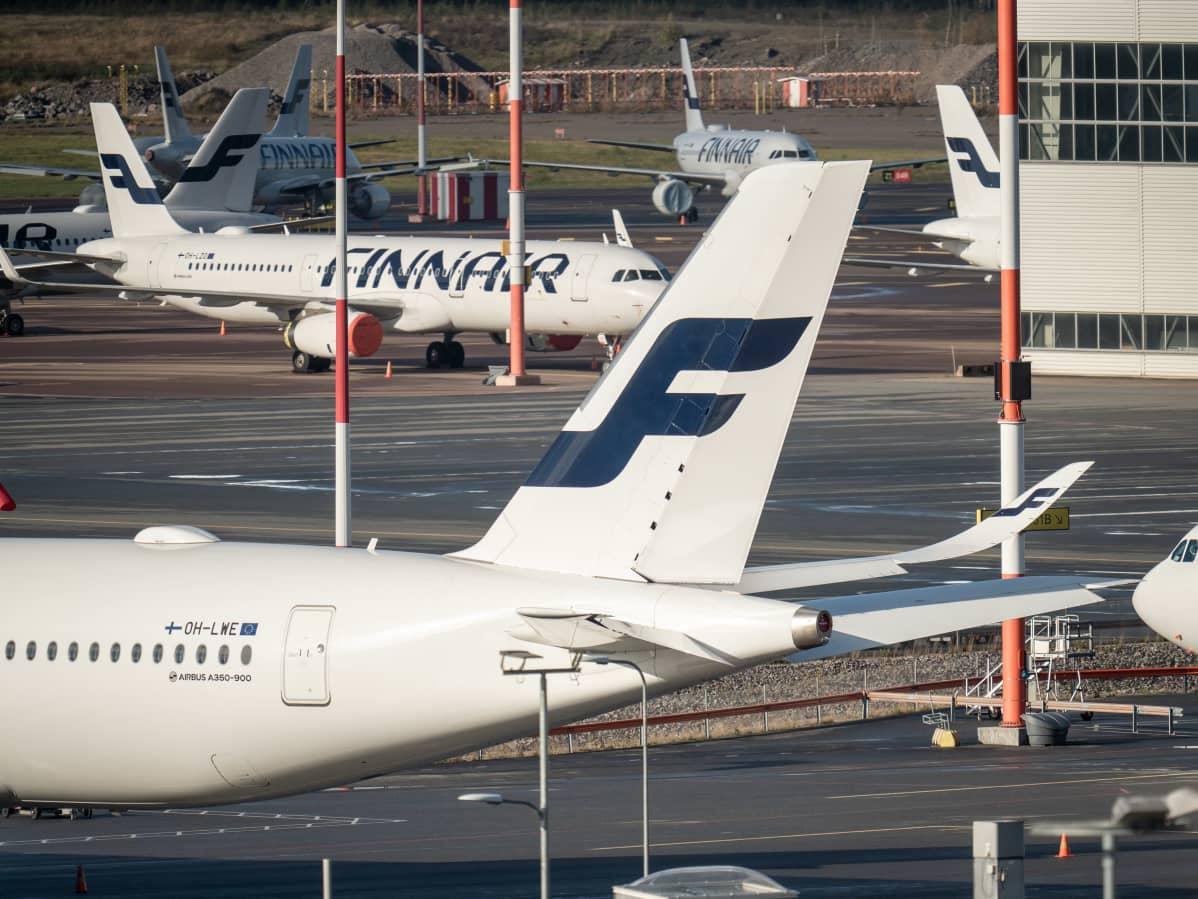 Lentokoneita Helsinki-Vantaan lentokentällä