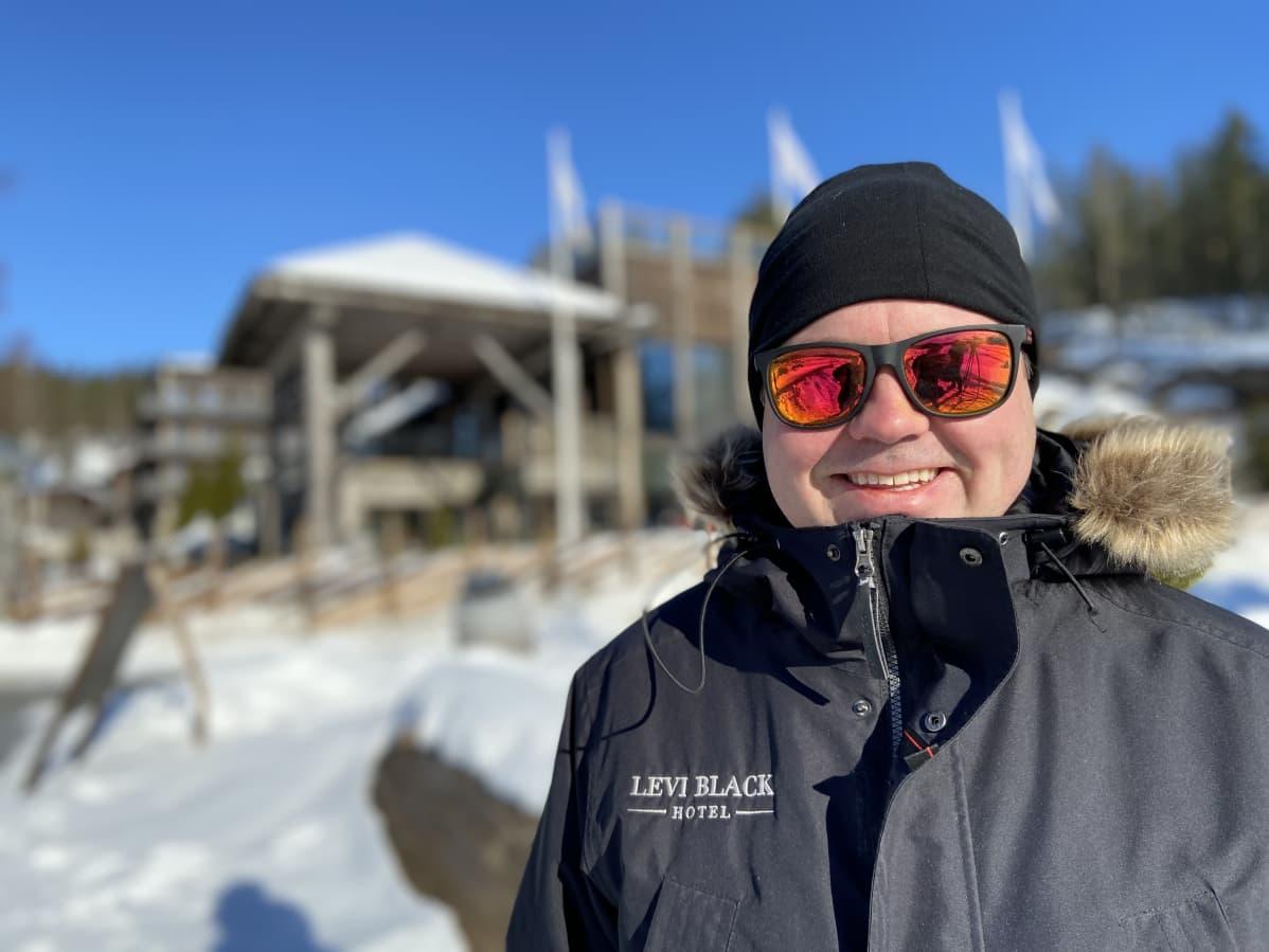 Markus Heiskanen johtaa matkailukeskusta Rantasalmella.