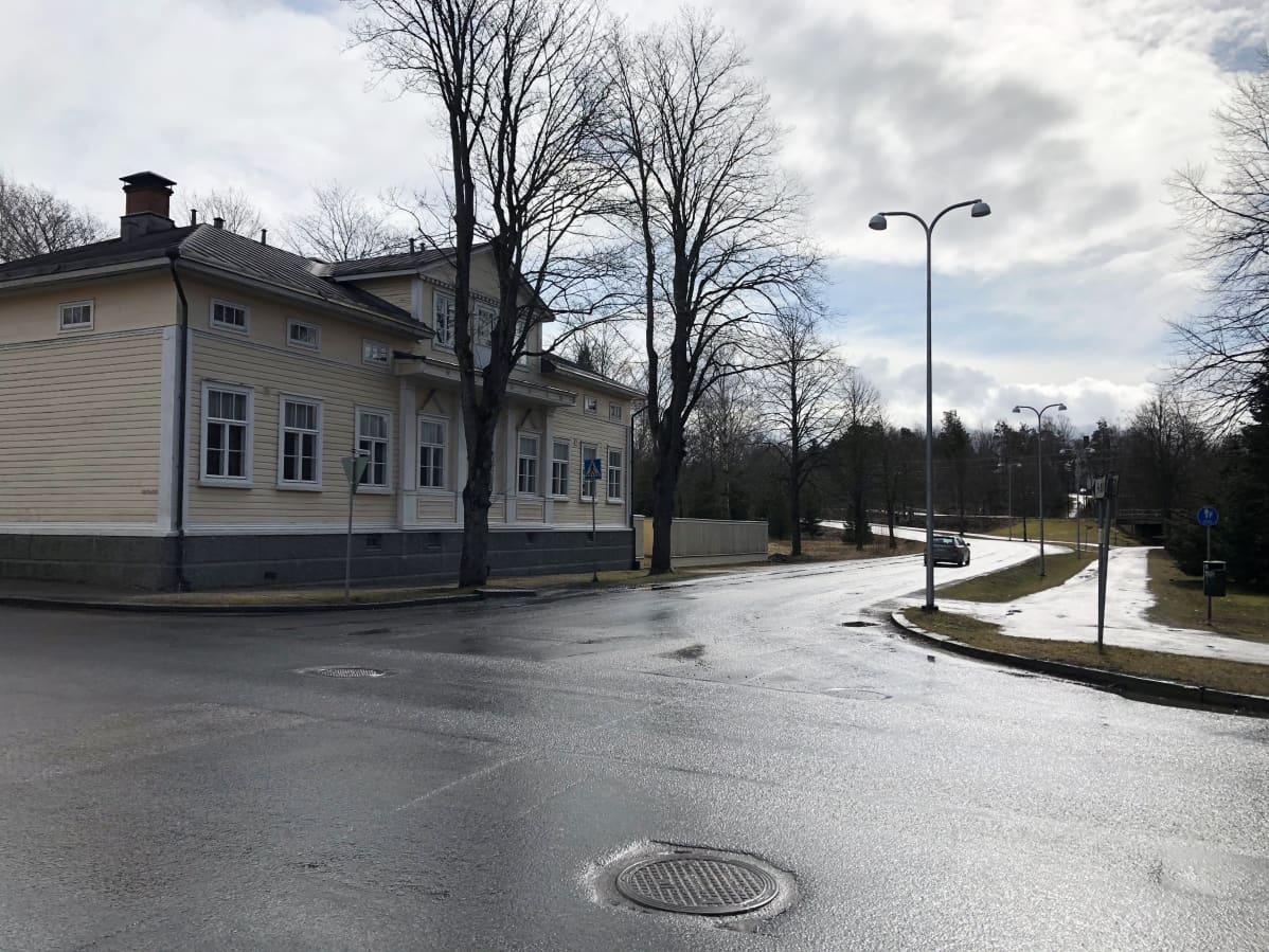 Uuteenkaupunkiin suunnitellaan Blasieholmankadulle ryhmärakennuttamiskohdetta.