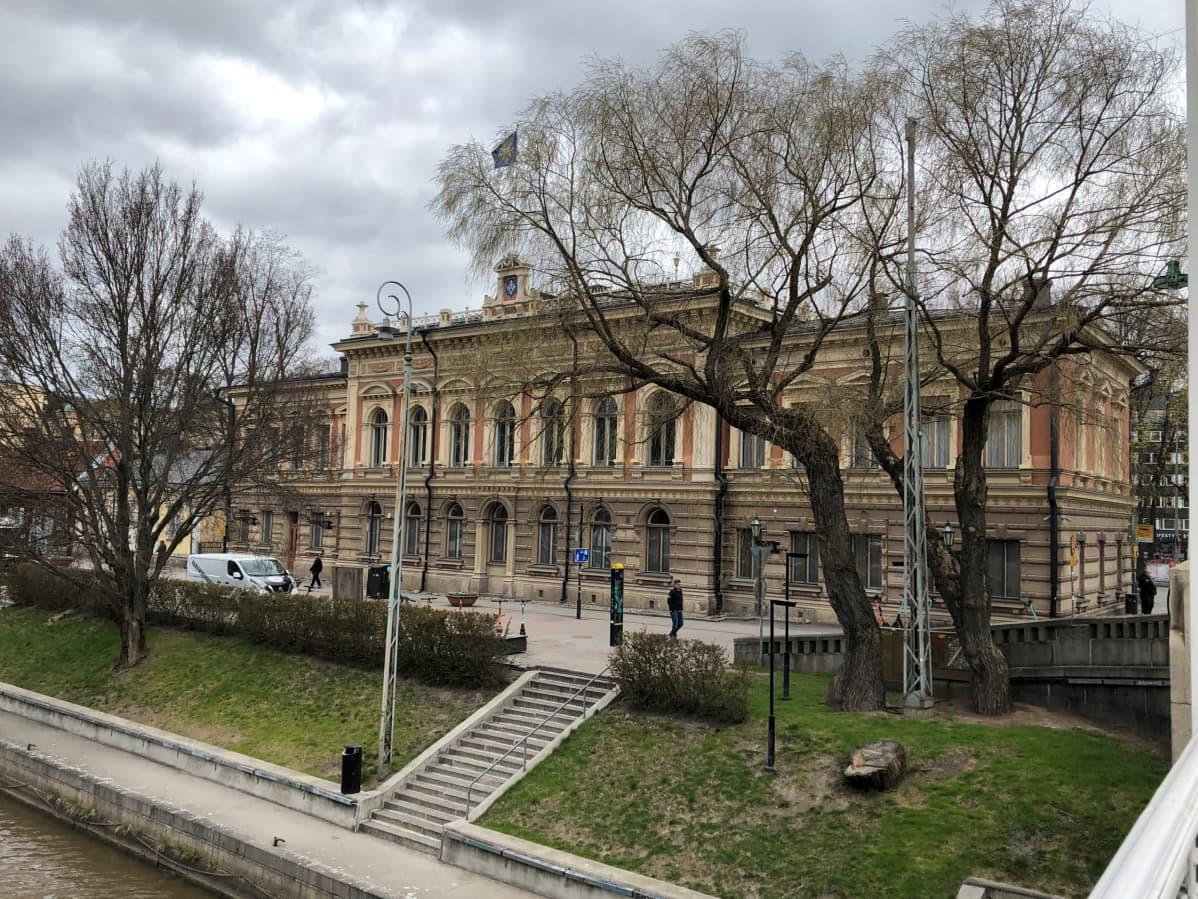 Turun kaupungintalo toimi aiemmin ravintolana ja tanssisalina.