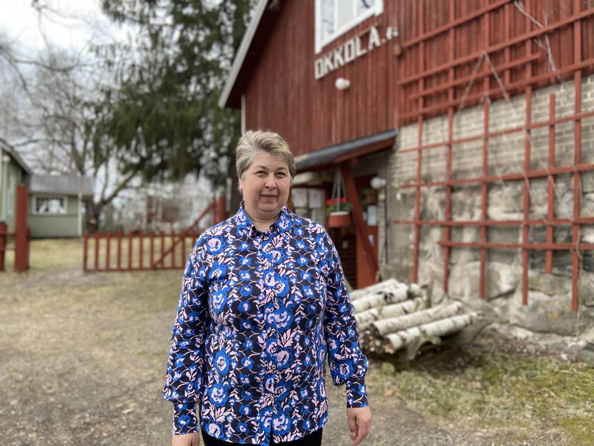 Paula Okkola odottaa alkavalta kesämatkailukaudelta kovaa tulosta.