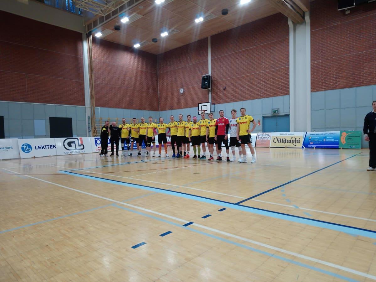 KyKy-Betsetin miesten lentopallon ykkössarjan joukkue urheiluhallissa