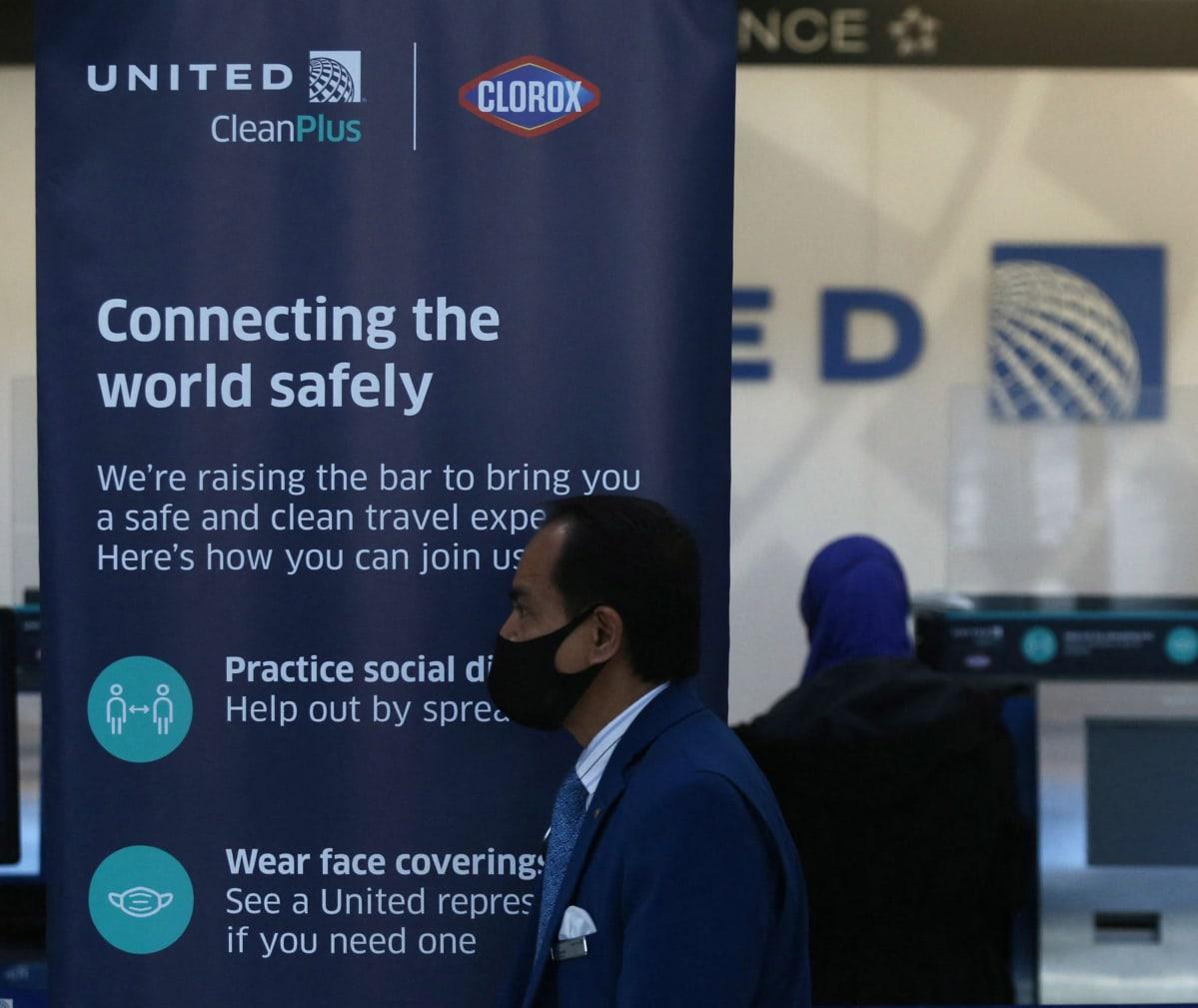 United Airlinesin lähtöselvitys Chicagossa.